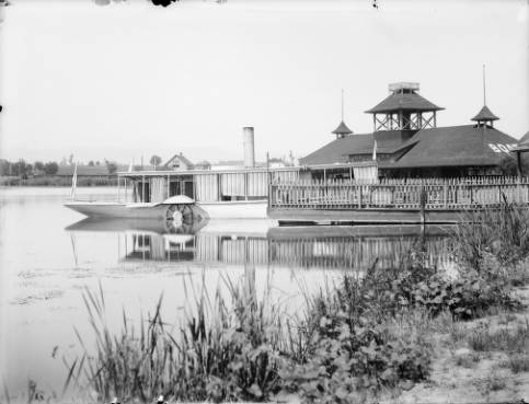 Boat_house